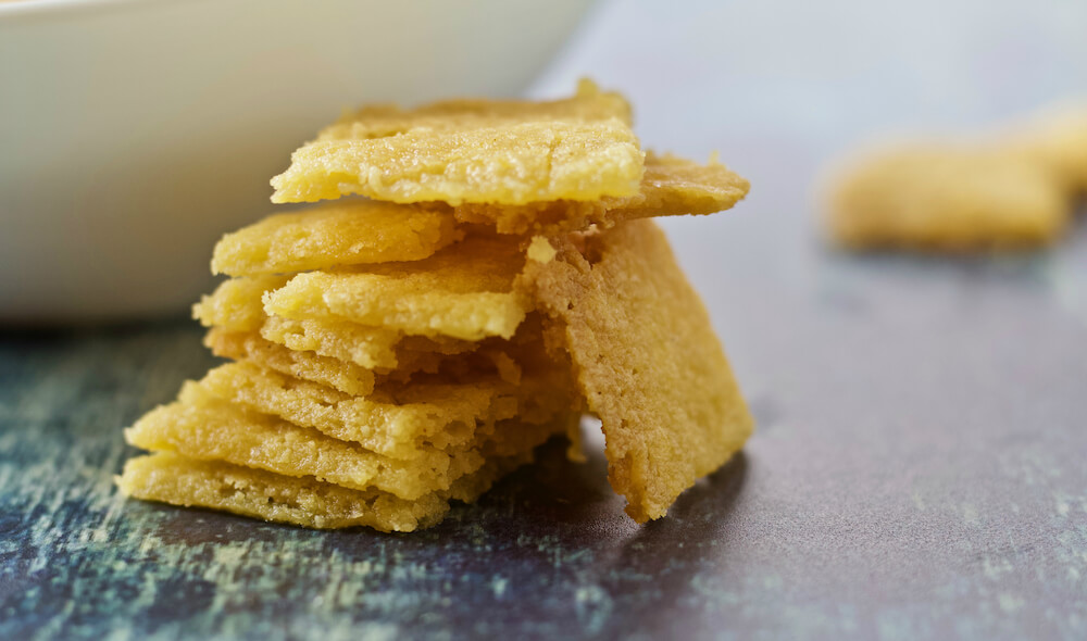 Low Carb Cheese Crackers - Keto Cheez-It Copycat Recipe